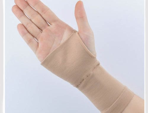 Fingerless compression gloves